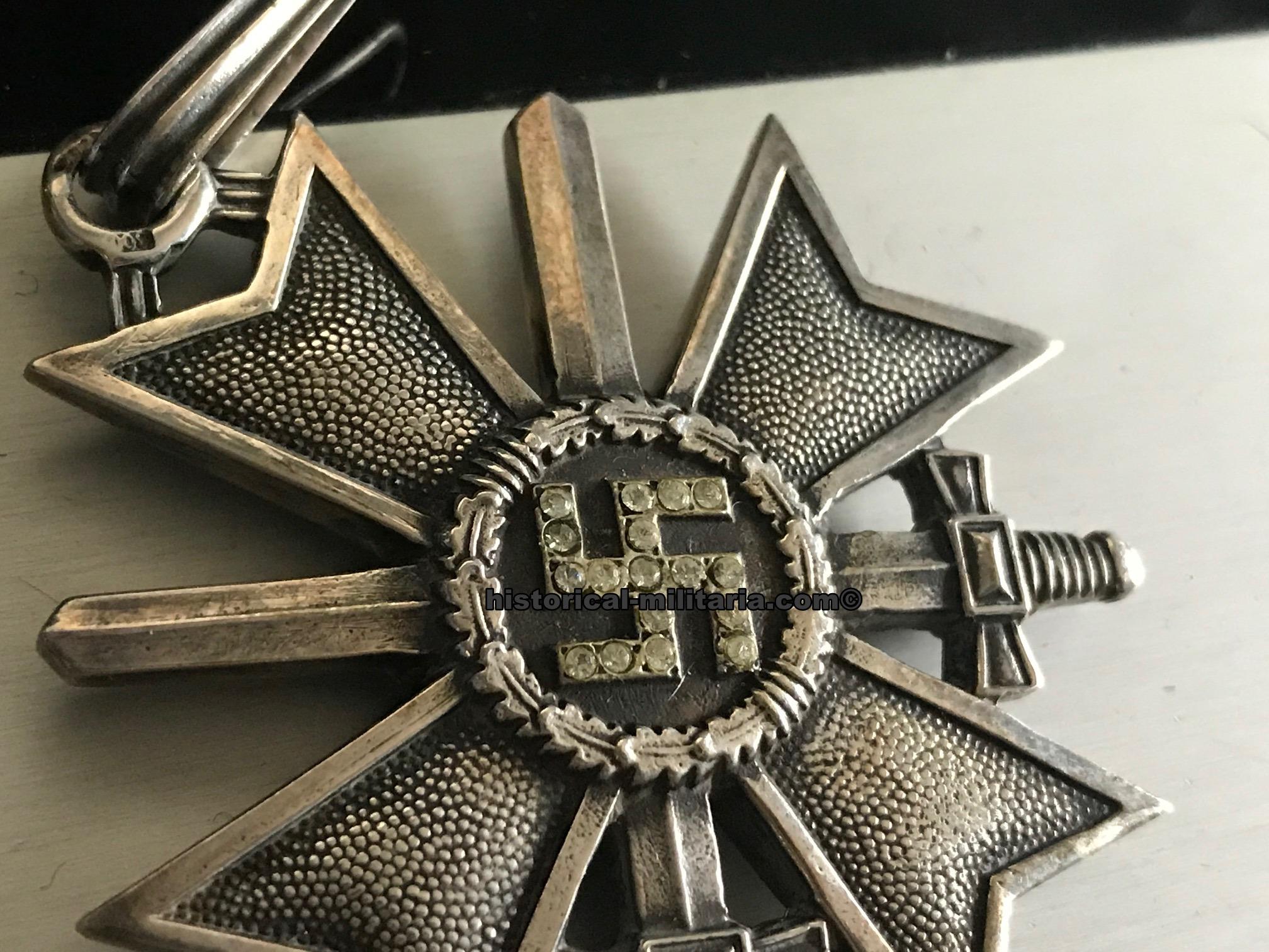 Ritterkreuz zum Kriegsverdienstkreuz mit Schwertern und ...