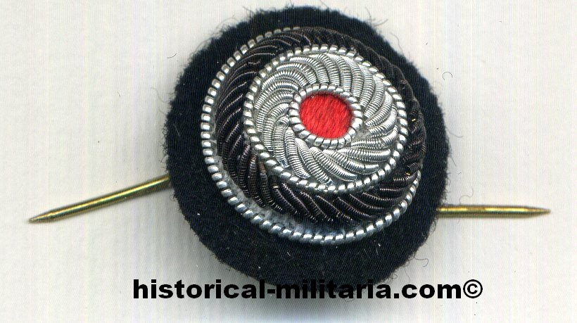 German Wehrmacht Officer hand-embroidered national cockade upon black backing with backside pins - WH Schiffchenkokarde Offizier - coccarda nazionale da Ufficiale della heer con le spille