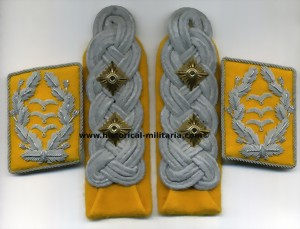 Luftwaffe OBERST set sew-in matte shoulder boards with matching collar tabs